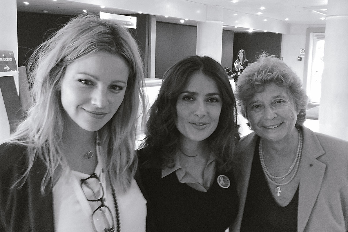 Johana Bahamón Gómez y Salma Hayek
