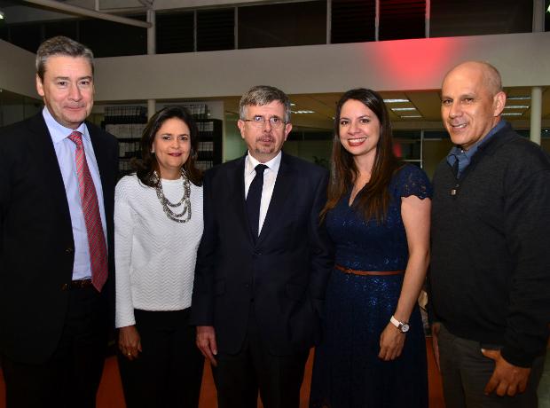 <div></noscript>Antonio Navarrete, Ángela Gardeazábal, Luis Crespo, Belkis Agudelo y el Padre Rodrigo Betancur.</div>