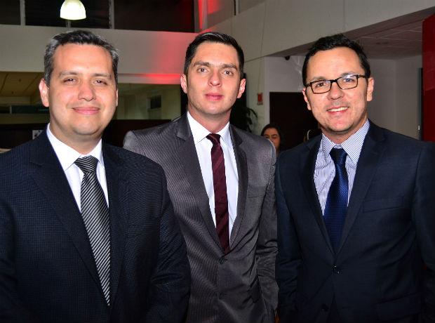 <div></noscript>Jimmy Cardona, Carlos Andrés Barona y Óscar Rugex.</div>