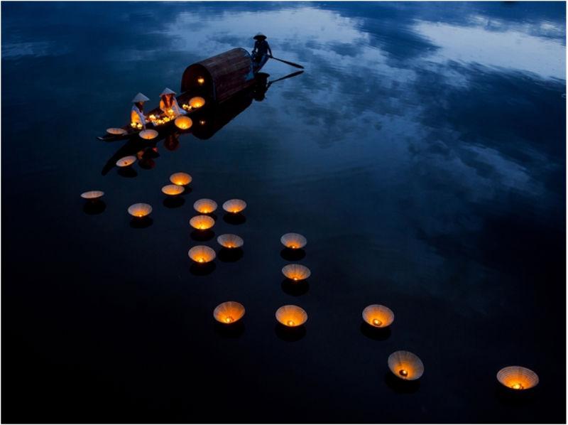 Lightning Dream. Anualmente se celebra una ceremonia en vu Ian para recordar a los familiares muertos. Foto por Ngo Tanh Minh.