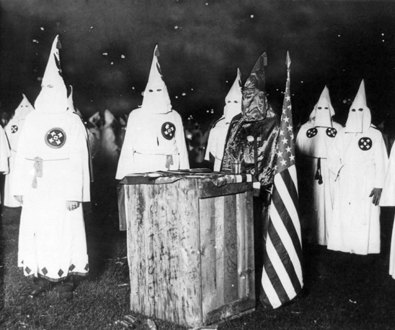 ¿Qué es y de dónde salió el Ku Klux Klan?
