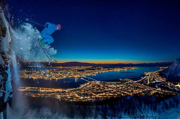 "<div>Categoría Deportes, ""Artic Urban Skiing"" Autor: Audun Rikardsen de Noruega.</div>"