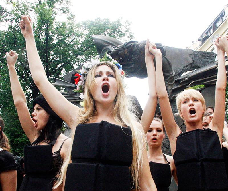 Activistas del movimiento ucraniano de mujeres protestaban contra la limitación de las libertades democráticas y la libertad de prensa en 2010.