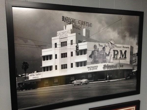 Restaurante Royal Castle en Downtown Miami, 1950.