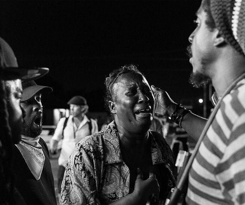 """Día 7 - """"Soy mi hermano Guardián"""" - Baton Rouge, La ... La mayor parte del día se llenó de tormentas eléctricas cuando las tormentas despejaron familias llegaron. Hermanos y hermanas Uniendo y haciendo intentos de adoptar una conexión con otros seres humanos."""