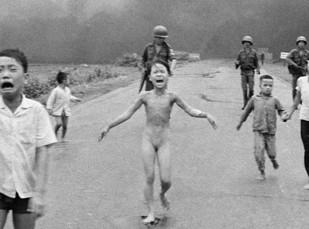 La emblemática foto de la Niña de Napalm (1972), también cayó en los filtros de censura de Facebook.