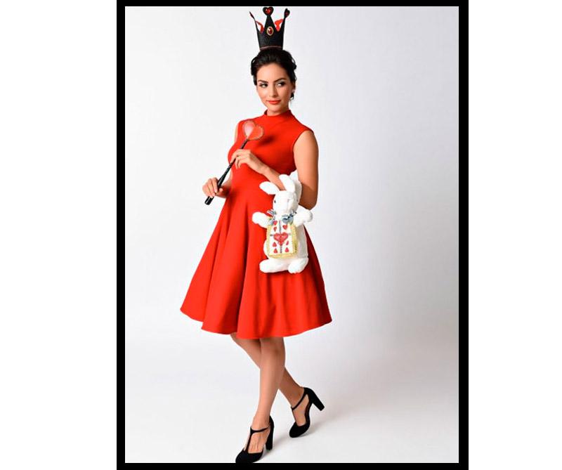 Vestido inspirado en la Reina de Corazones de Alicia en el País de las Maravillas.