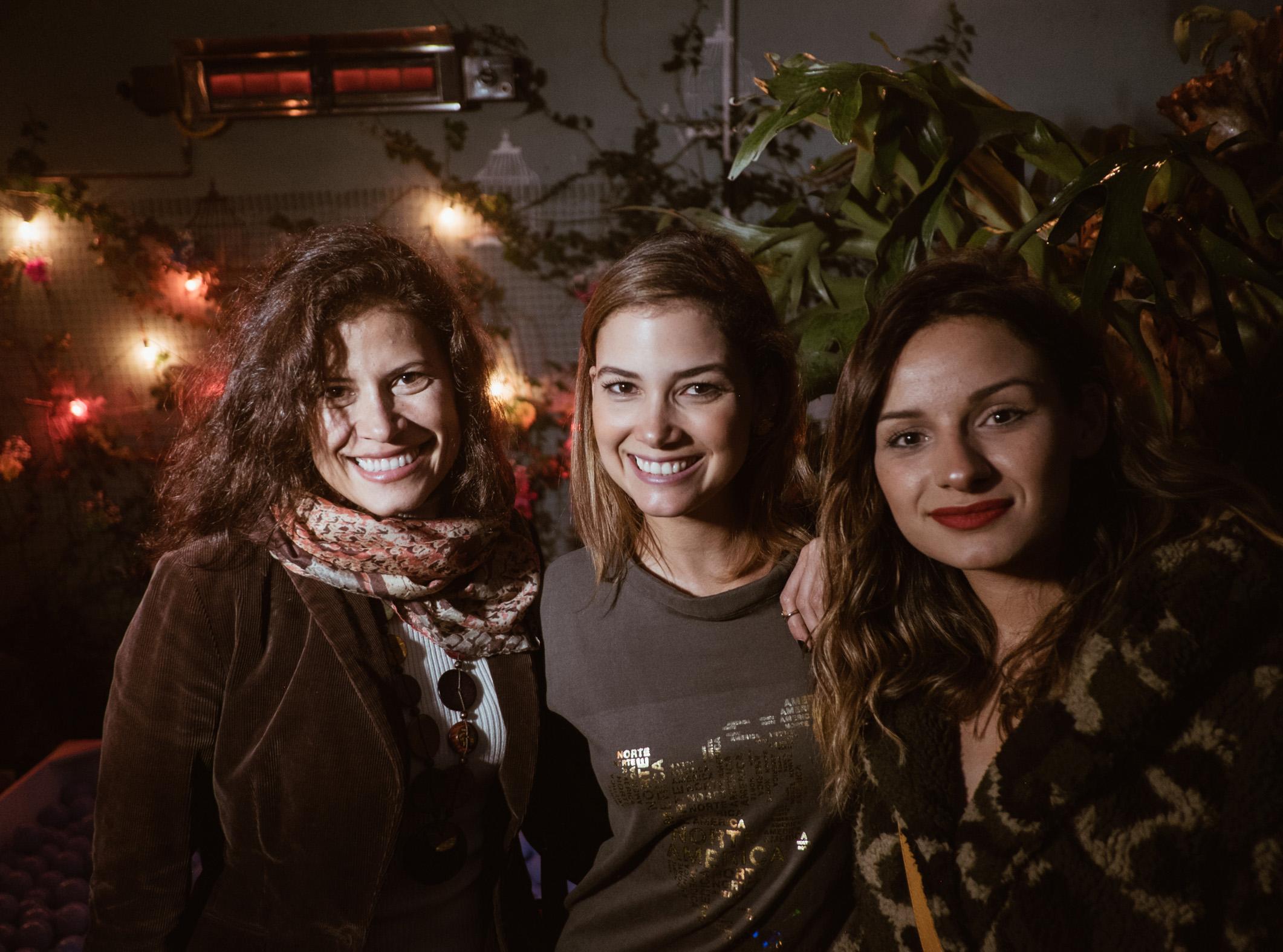 Liliana Escobar, Abril Schreiber y Valentina Correal.