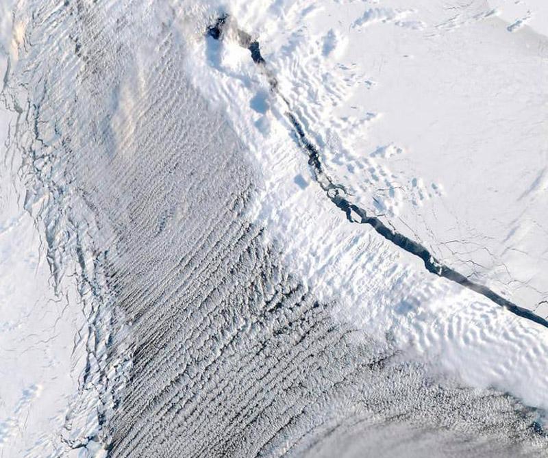 Isla Mezhdusharsky (Rusia). Foto: Satélite Aqua.