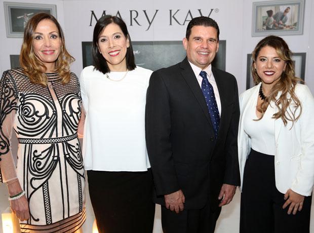 Catalina Escobar, Claudia Cardona, Roberto Villarreal y Gelixa Jácome.