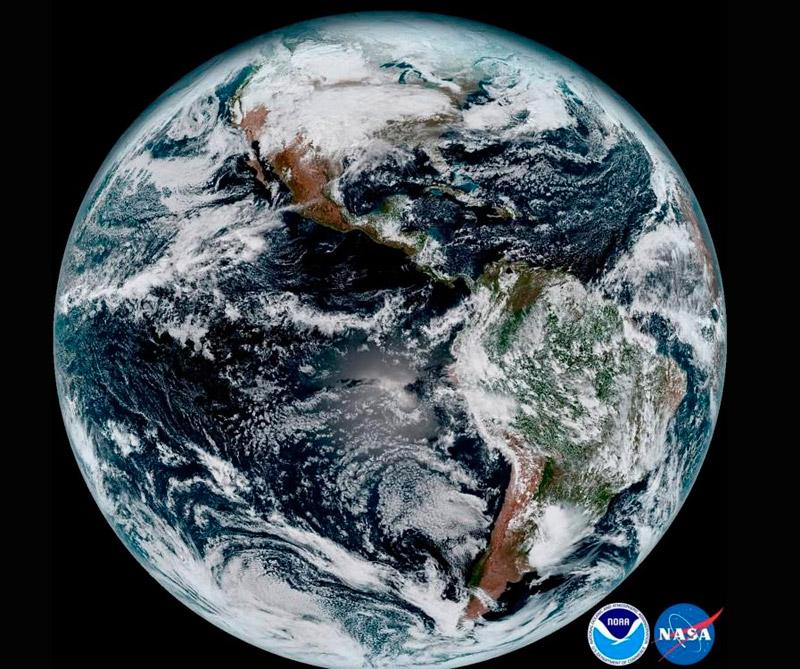 Planeta Tierra. Foto: Satélite meteorológico de la NOAA.