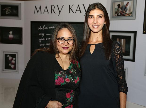 Nancy y Patricia Ramírez.