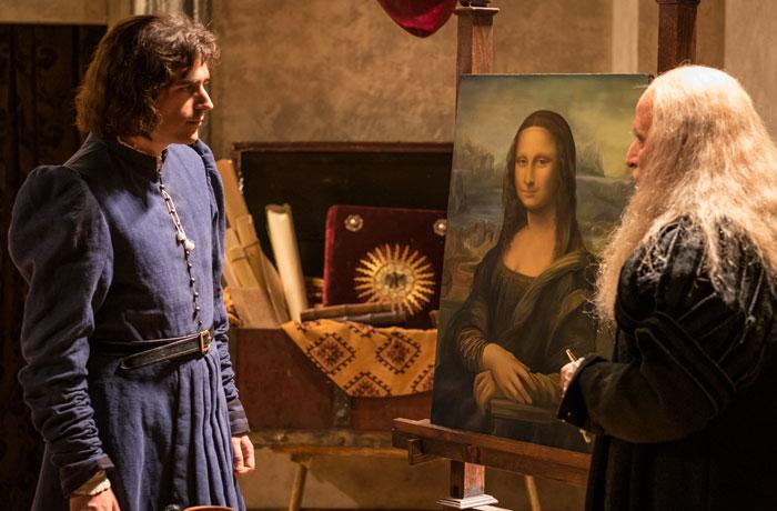 Leonardo da Vinci le muestra La Mona Lisa a Rafael.