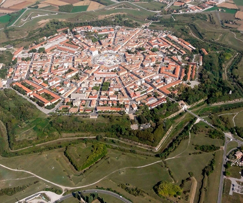 Defensas antiguas de Venecia, Italia.
