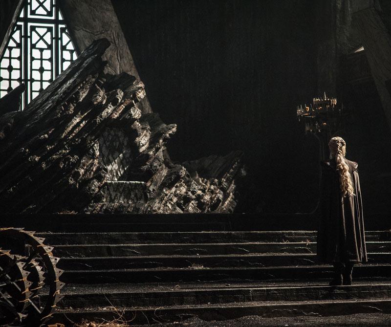 Emilia Clarke como Daenerys Targaryen