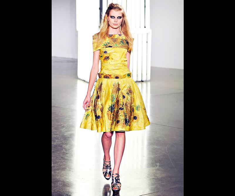 Vestido inspirado en Los girasoles de 1888. Foto: @rodarte.