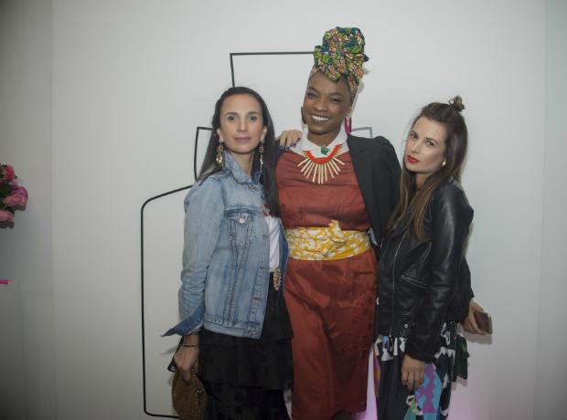 Carolina Crespo, Miss Balanta y Luisa Crespo.