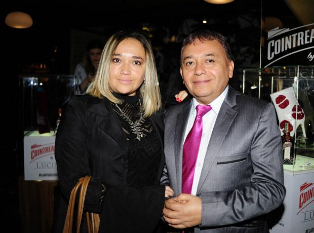 <div>Karen Valbuena y Carlos Valbuena.</div>