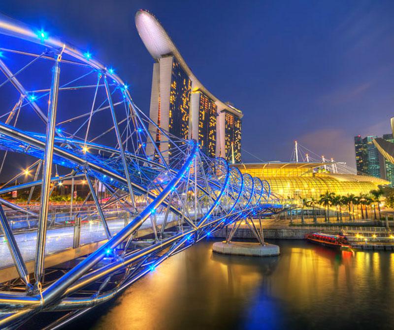 """Singapur, Singapur: la ciudad-estado, que en malayo significa """"Ciudad de los leones"""", tiene uno de los aeropuertos más modernos del mundo (Changi) que ofrece a los turistas una piscina y varios jardines de mariposas, por ejemplo. Pixabay / https://tinyurl.com/yagktgby."""