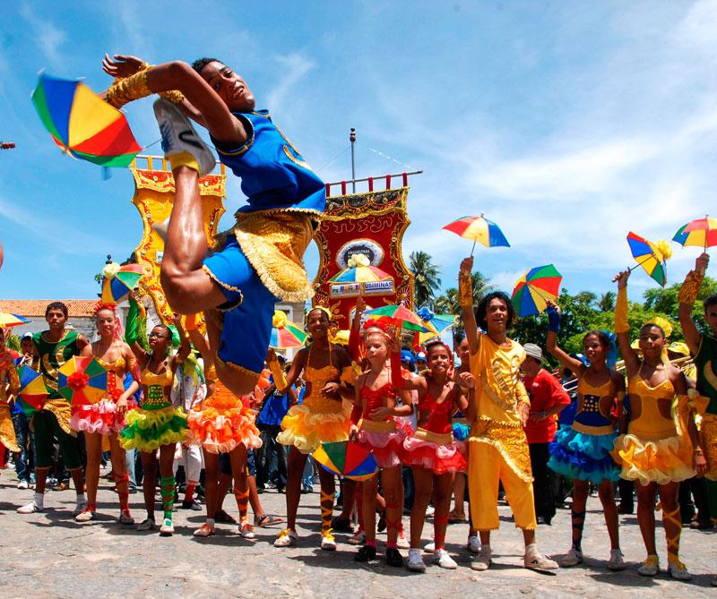 <div></noscript>Aparte de la samba, los brasileños recuerdan ritmos tradicionales de su cultura como el frevo y el maracatu, ambos surgidos de Pernambuco. Foto: Olinda / Flickr/ (CC BY 2.0).</div>