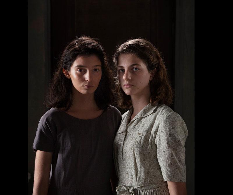 HBO y Raivision lanzaron las primeras imágenes de lo que será una miniserie de cuatro capítulos basada en la novela de Elena Ferrante.