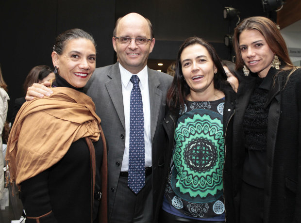 Claudia Gaitán, Daniel Cortéz, Carolina Escobar y MariaInes Cortéz.