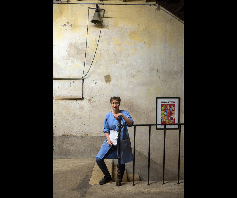 Categoría Errazuriz Wine Photographer of the Year (People) Ganador: 'Worker at Maison Champy, Beaune, Burgundy' de Thierry Gaudillère (Francia)