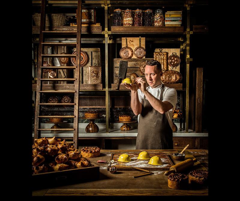 Categoría The Philip Harben Award for Food in Action Ganador: 'Calum in his Pie Room' de John Carey (Reino Unido)