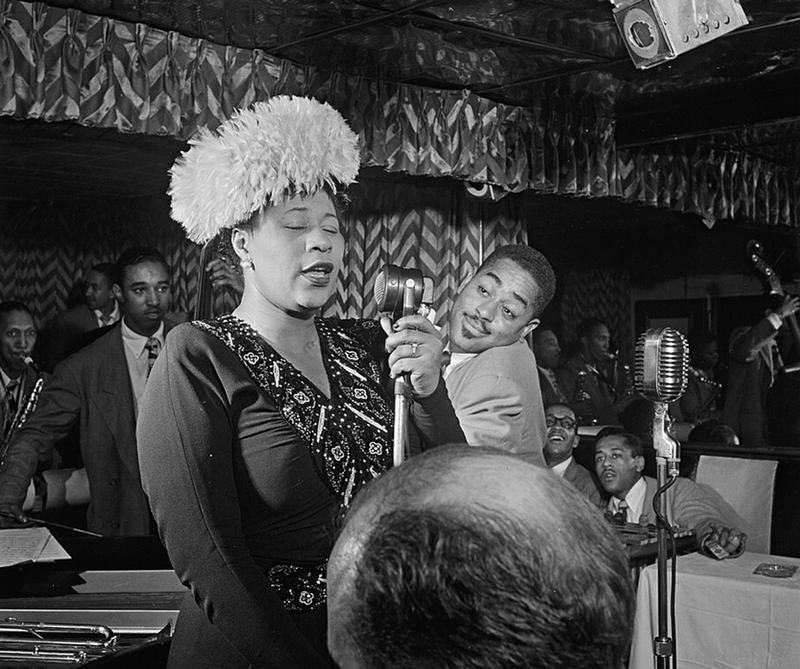 La fascinante fuerza de su voz la consagró como una de las artistas más importantes del Jazz. Hoy se cumplen 102 años de su nacimiento y la recordamos con este playlist.