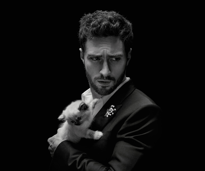 La casa francesa Givenchy reinterpreta al hombre contemporáneo en su nueva fragancia: Gentleman Eau de Parfum.