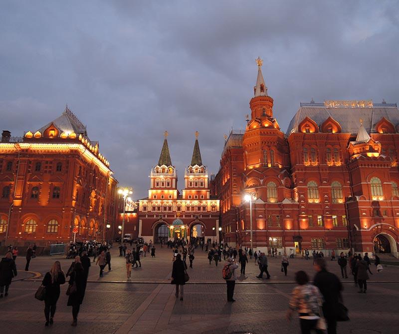 Nuestro corresponsal en Rusia, Adolfo Zableh, cuenta sus primeras impresiones de la gente y el estilo de vida en Moscú. ¿Son los rusos tan fríos y parcos como dicen?