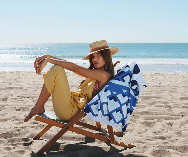 Desde los collares de conchas, las alpargatas hasta los bolsos de madera, ya puede ir preparando los looks del verano.