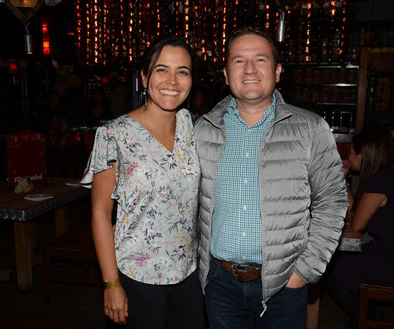 Carolina Cabrero y Lukas Giraldo