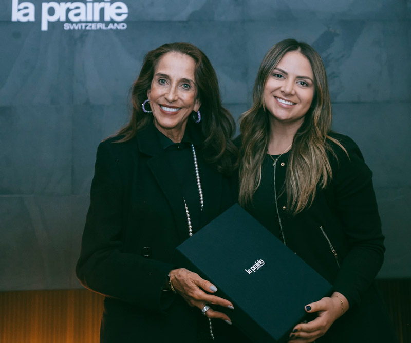 Pilar Castaño y Jennifer Boada, group manager de Distribeauté Colombia.