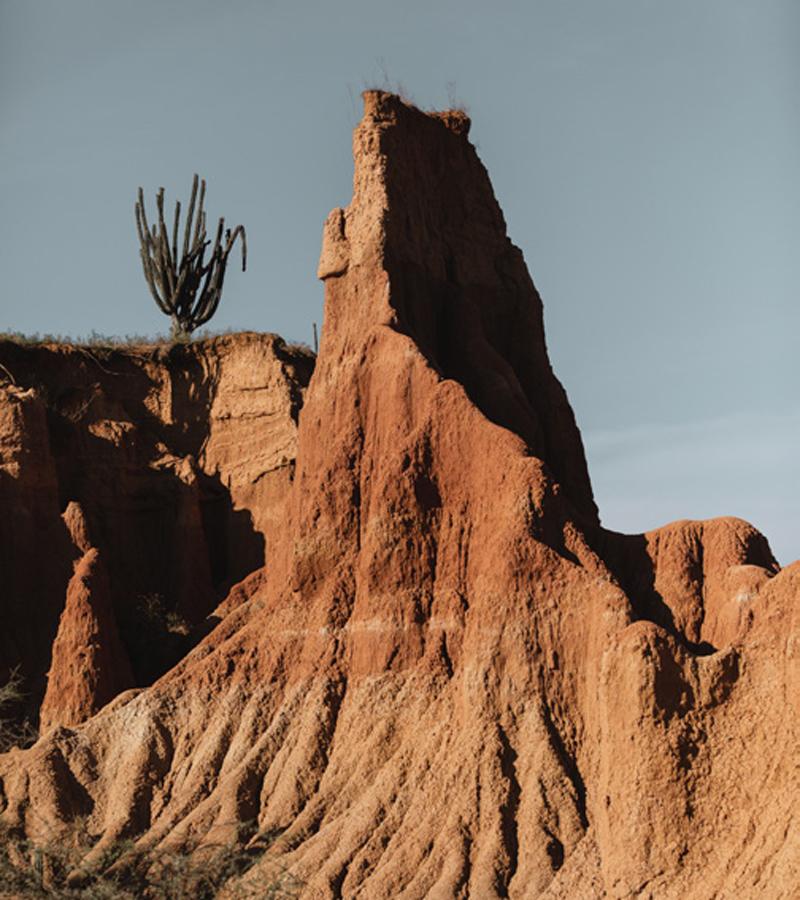 Las cárcavas talladas por el viento y la erosión pueden medir hasta veinte metros.