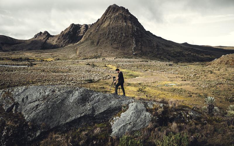 galvis se toma el tiempo en cada paisaje para capturar su esencia.