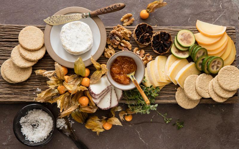 tabla de quesos, mermelada