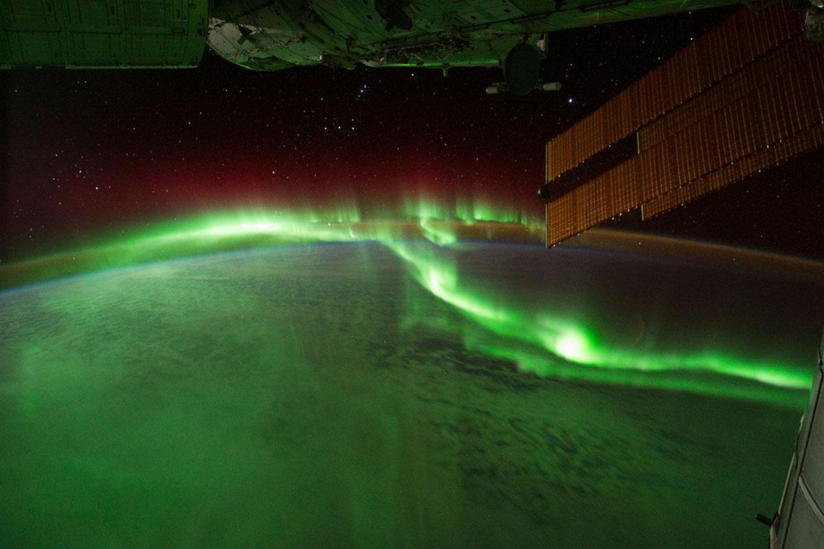 Aurora boreal en el espacio