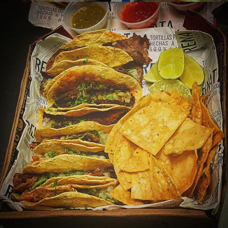 Renata, Tacos