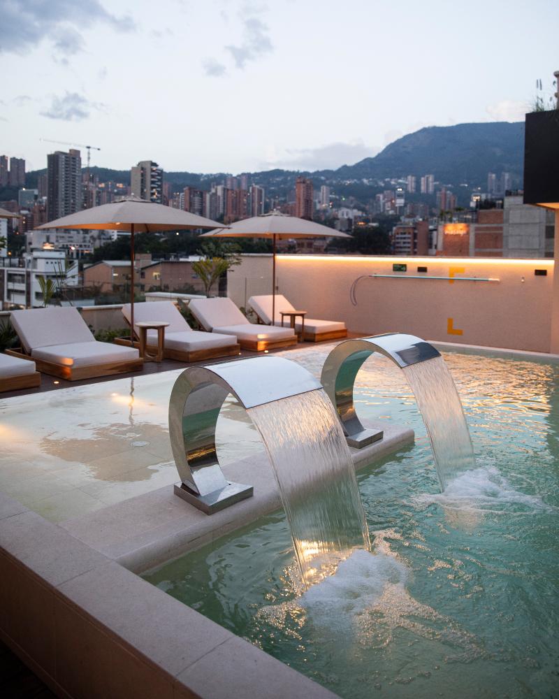 Hotel piscina Medellín